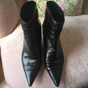 Bandolino leather size 8 booties